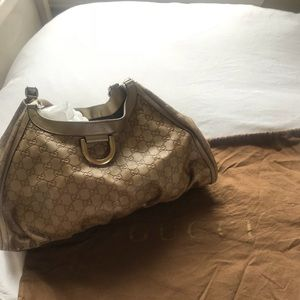 💯 Authentic Gold Gucci shoulder bag